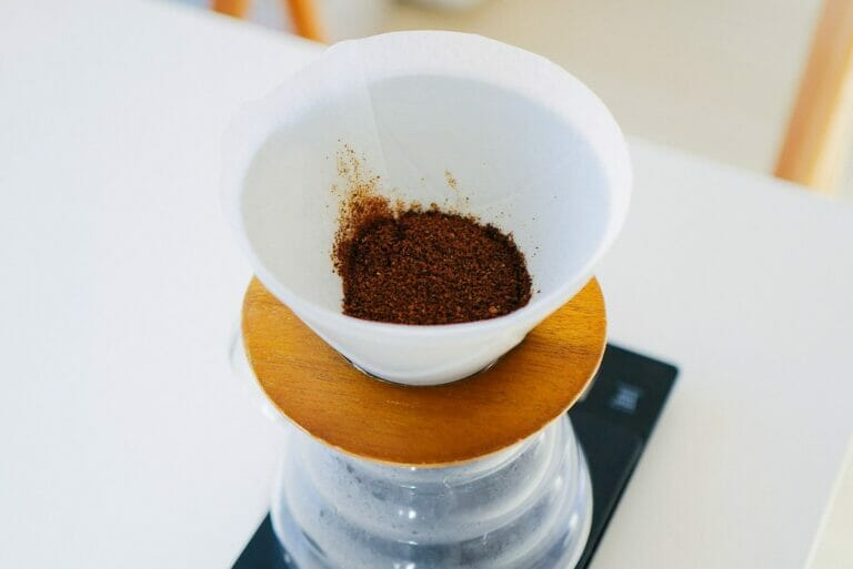 hario v60 mugen dripper coffee powder